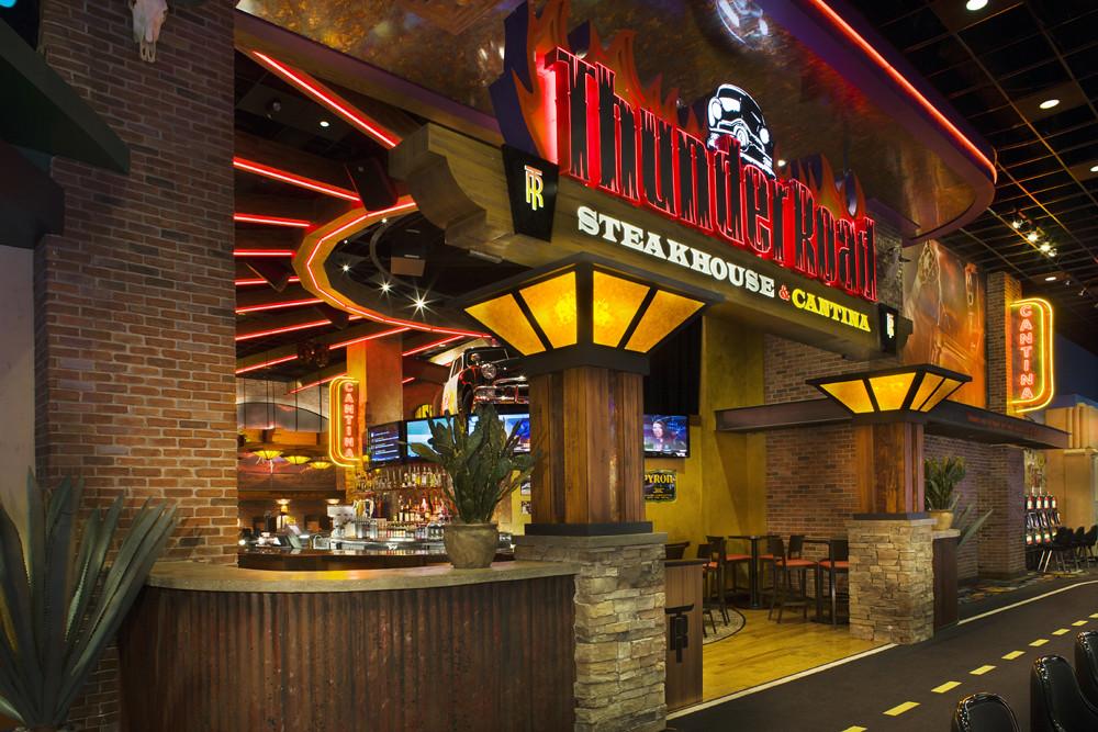 Restaurant decor design entry thunde