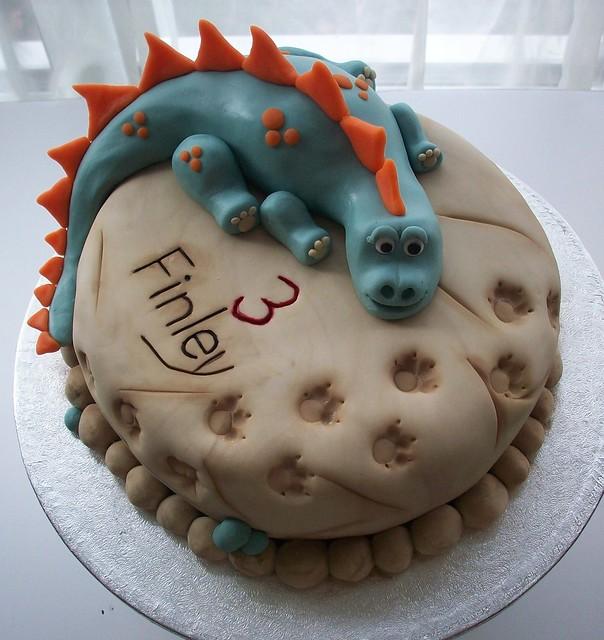 Easy Dinosaur Cake Images : dinosaur cake 1 Flickr - Photo Sharing!