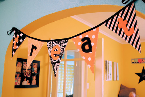 Halloween bunting | by colbylanedesigns