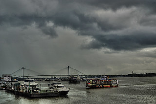 CLOUDY AFTERNOON | by amukherji