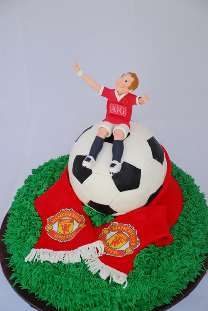 Liverpool Scarf Cake