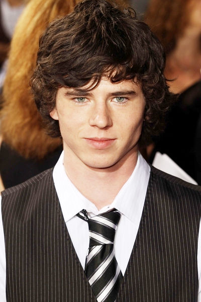 charlie mcdermott 2014charlie mcdermott and eden sher, charlie mcdermott axl heck, charlie mcdermott wikipédia, charlie mcdermott wife, charlie mcdermott privat, charlie mcdermott age, charlie mcdermott instagram, charlie mcdermott 2016, charlie mcdermott eye color, charlie mcdermott insta, charlie mcdermott snapchat, charlie mcdermott and dylan mcdermott, charlie mcdermott interview, charlie mcdermott the office, charlie mcdermott, charlie mcdermott net worth, charlie mcdermott 2015, charlie mcdermott relationships, charlie mcdermott facebook, charlie mcdermott 2014