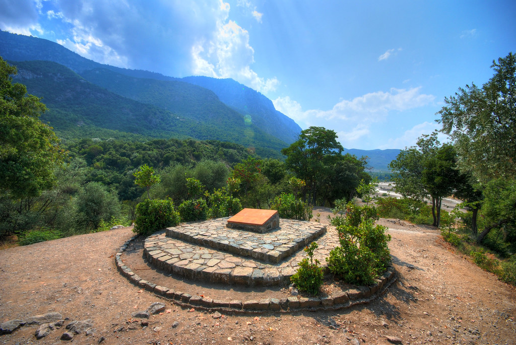 Battle site of Thermopylae   Plaque marking spot where the ...
