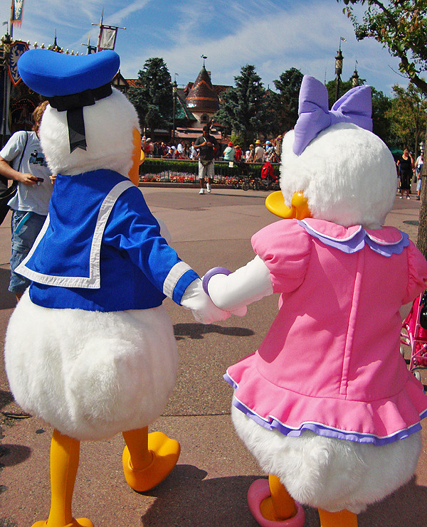 Donald & Daisy Duck | Fantasyland, Disneyland Paris ...