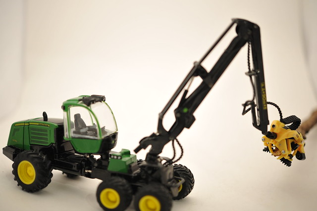 John Deere 1270E Processor 1/50th by Ertl diecast metal | Flickr ...