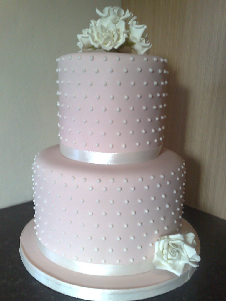 wedding cake with dots polka dot wedding cake dusky cake with polka 26869