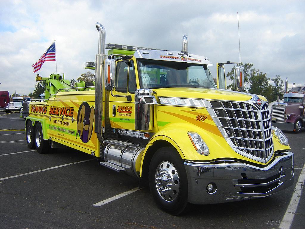 International Tow Truck   Seen at the 2010 U.S. Diesel ...