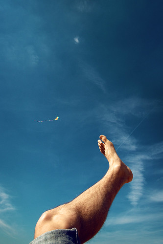 Leg and Kite | by kirberich