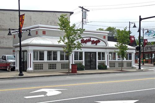 Rapid Rays Diner / Saco, Maine   Rapid Rays is hard to miss.…   Flickr
