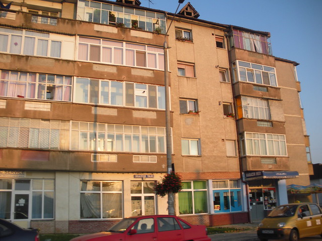 Apartments caransebe romania flickr photo sharing for Bucharest apartments