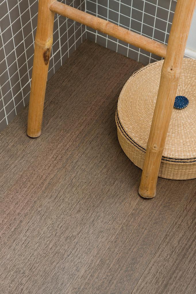 Cork flooring bathroom the options for cork flooring in for New flooring options