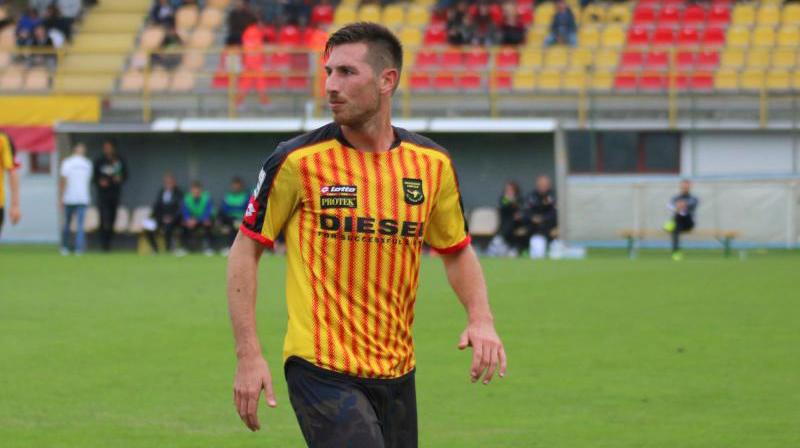Daniel Semenzato con la maglia giallorossa del Bassano