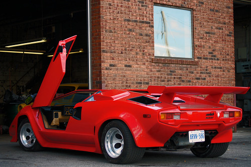 lamborghini countach before anyone gets excited it 39 s a re zain syed. Black Bedroom Furniture Sets. Home Design Ideas