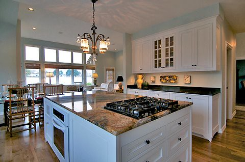 White Kitchen Island With Oak Cabinets
