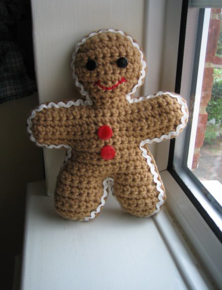 gingerbread man crochet gingerbread man with giant ric-rac? KnittingPony ...