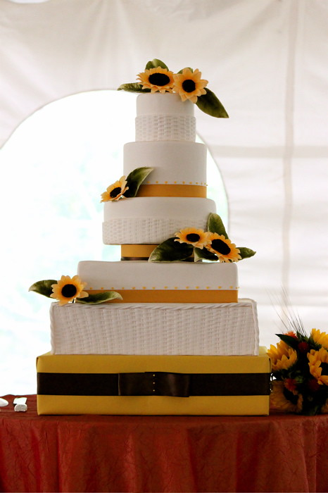 Sunflower Wedding Cake On Saturday I had the honor of crea Flickr