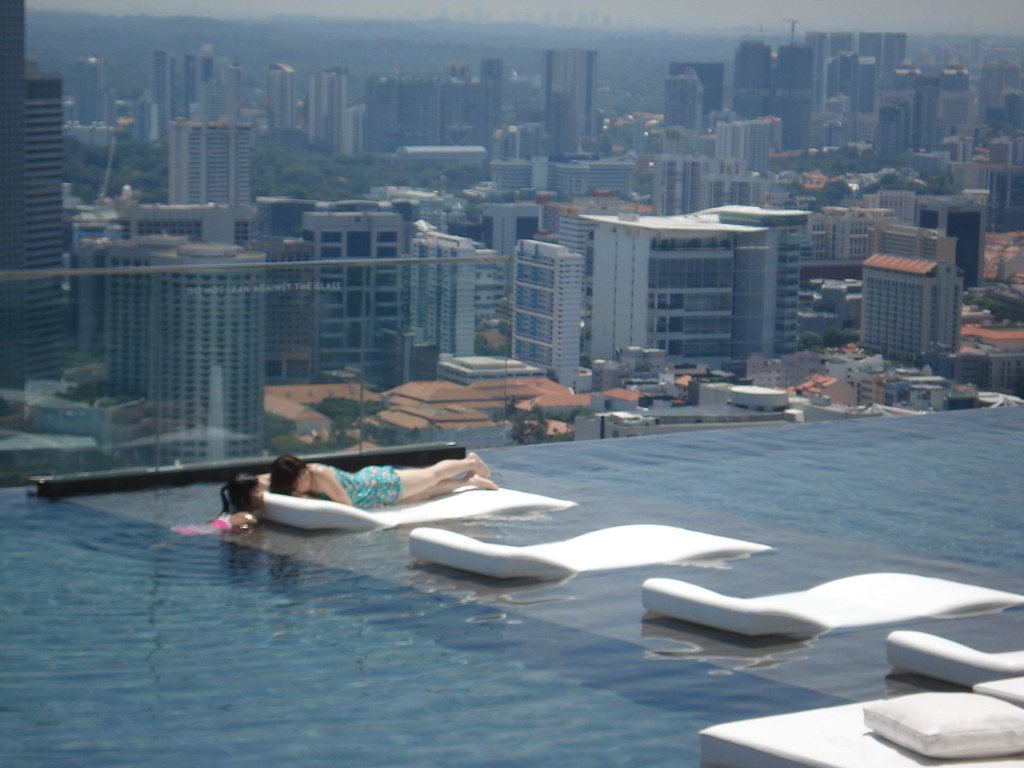 Piscina no topo do hotel marina bay sands laura lessa - Marina bay sands piscina ...