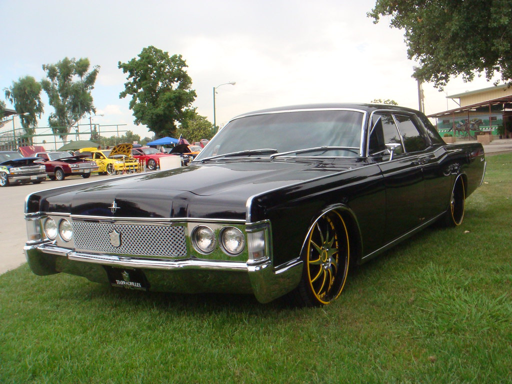 1968 lincoln continental tiarra luxury grille installed. Black Bedroom Furniture Sets. Home Design Ideas