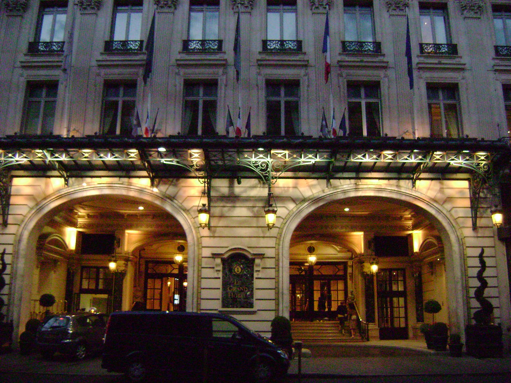 Le grand h tel par s francia paris france for Le grand hotel