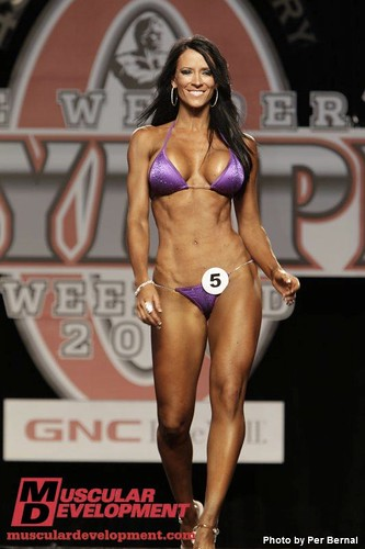 Missy Coles at 2010 Olympia | Missy goes down in ...