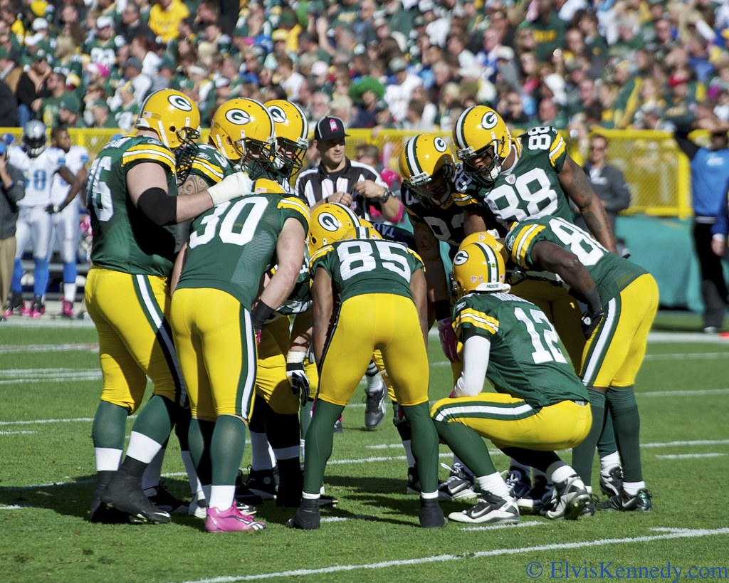 Packers Huddle | Detroit Lions vs. Green Bay Packers at ...