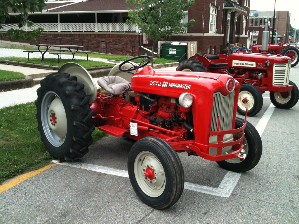 Ford 601 Workmaster Tractor : Ford workmaster