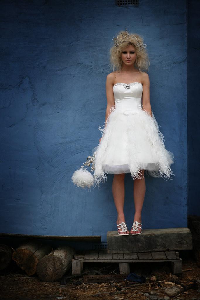 Short satin and ostrich feather wedding dress | strapless sw… | Flickr