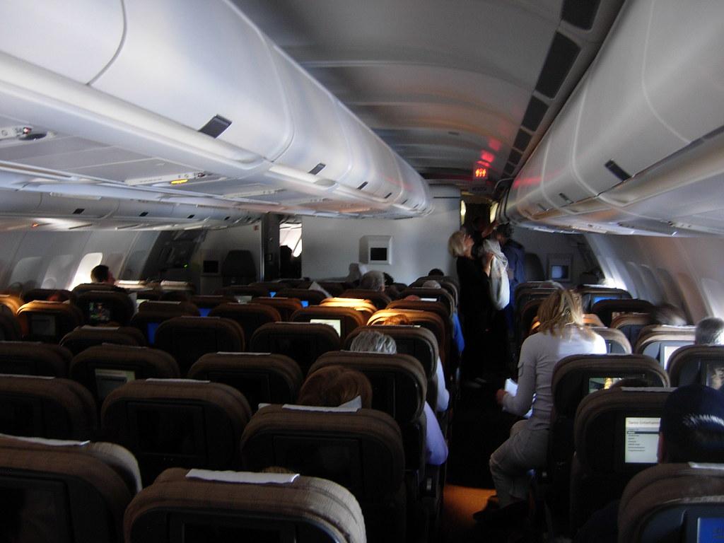 Swiss International Air Lines Airbus A340 300 Hb Jme Econo