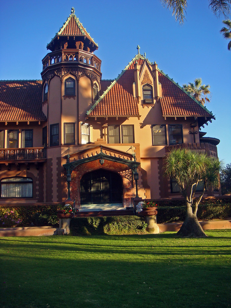 06p 8 Chester Pl Doheny Mansion Hcm 30 Front Facade