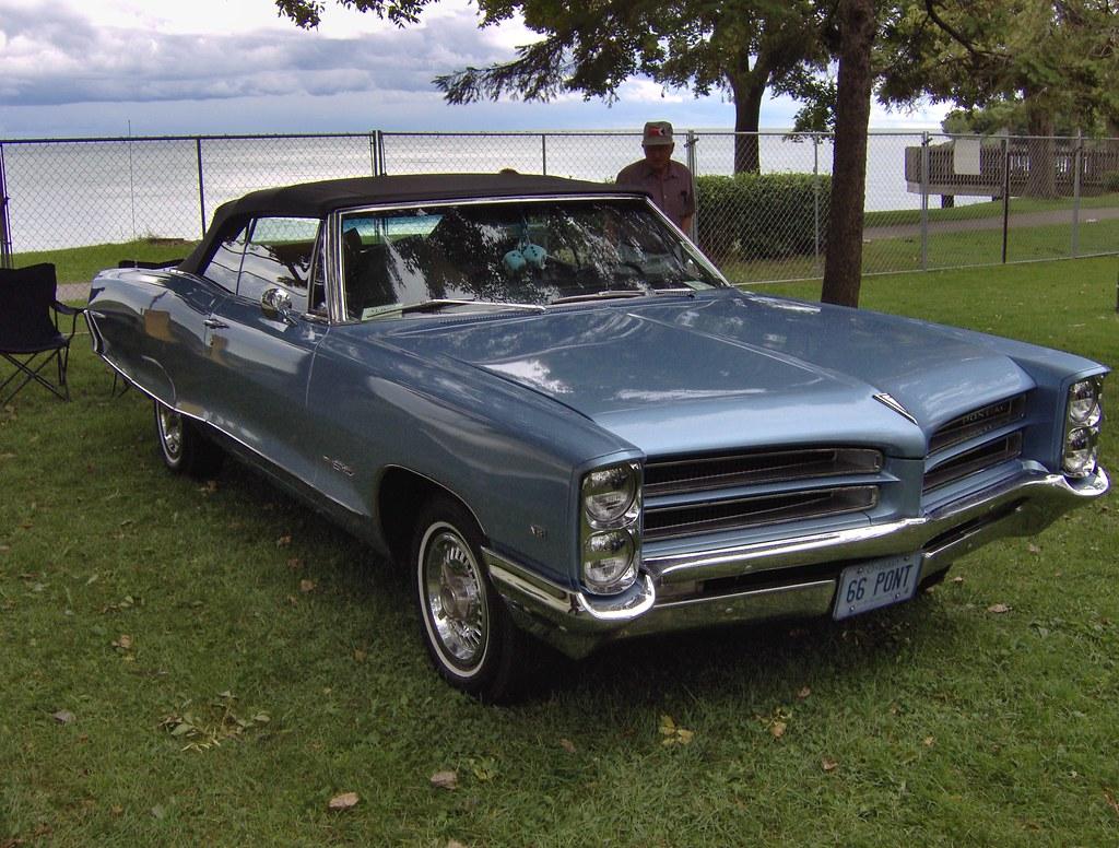 1966 Pontiac Parisienne Custom Sport Autofest Oshawa