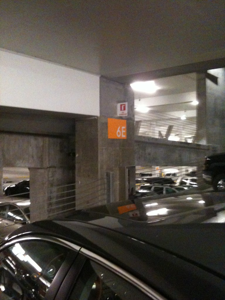 Pdx Long Term Parking >> Parking Section 6e Longterm Parking Lot At Pdx Zebulin M