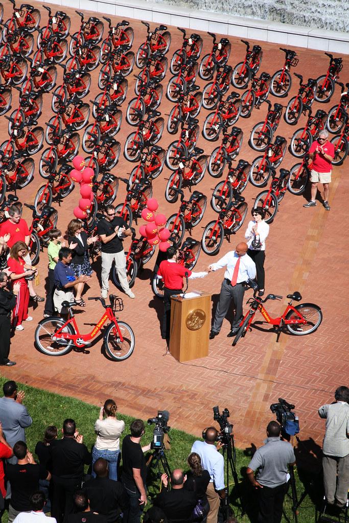 Capital Bikeshare Launch Event Ddot Director Gabe Klein