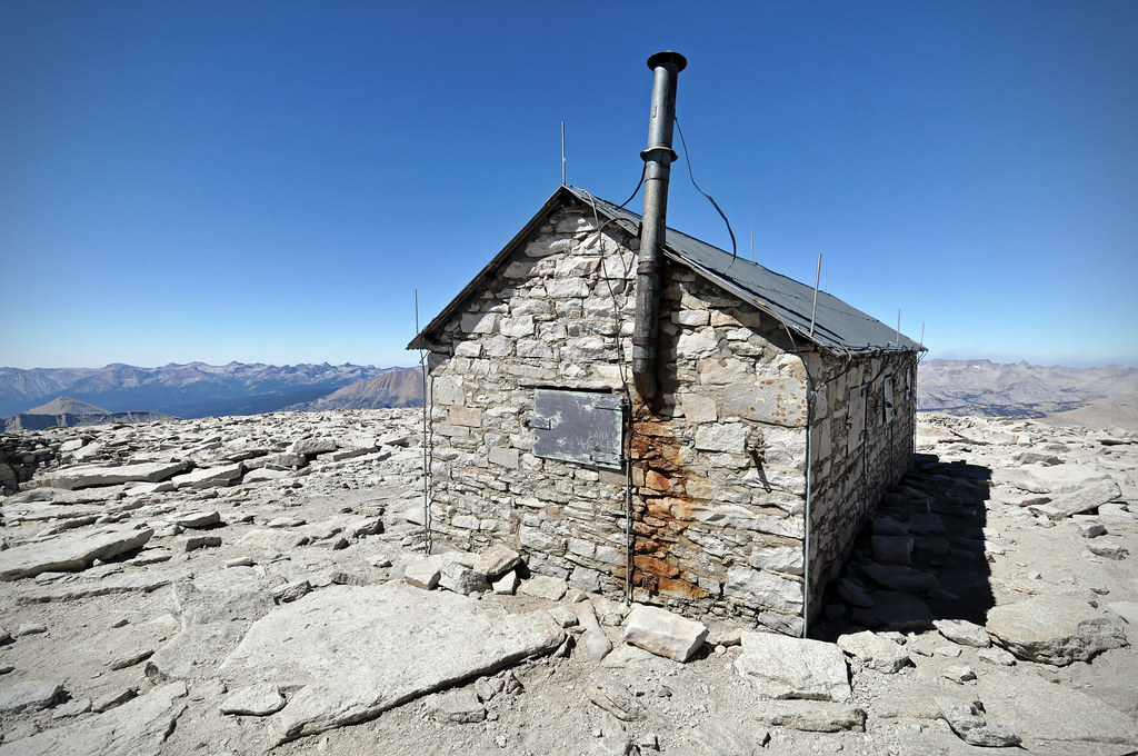 Smithsonian Hut Shelter 14 505 Ft Mt Whitney Summit