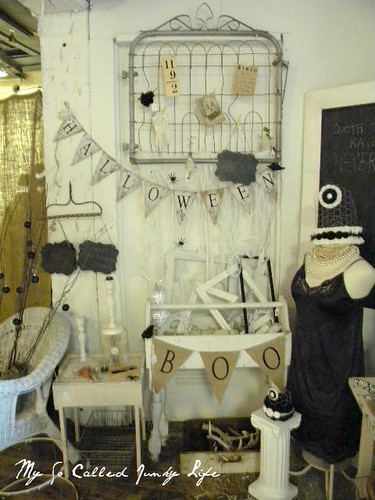 Ideas For Decorating A Booth