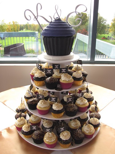 Pirate Themed Wedding Cupcakes | by clevercupcakes