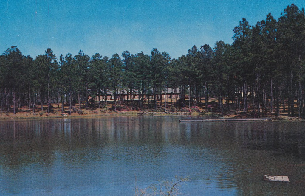 Blue Gables Motor Court - Hattiesburg, Mississippi