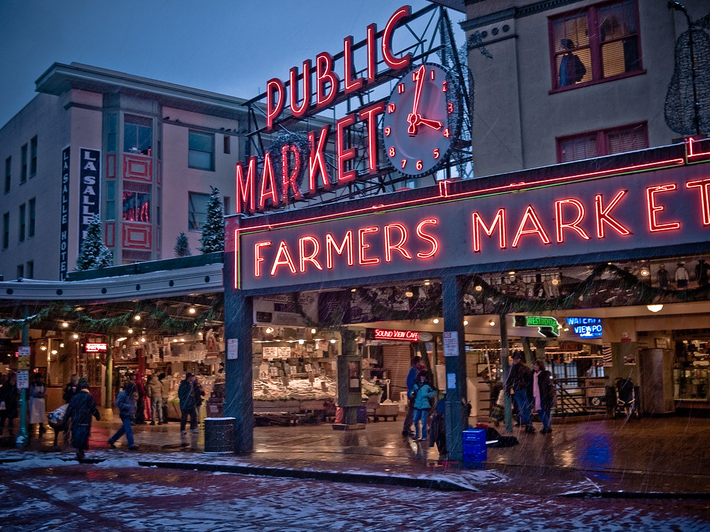 Fish stand pike place market bought some halibut for for Pike place fish