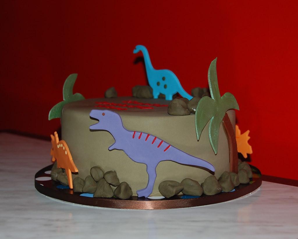 Dinosaur Cake Some Simple Fondant Dinosaur Decorations