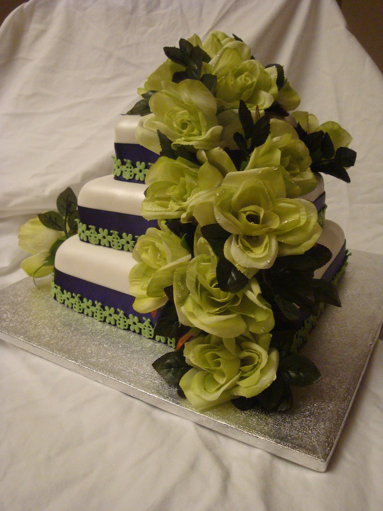 Purple & Green Wedding Cake | Fruitcake topped with apricot … | Flickr
