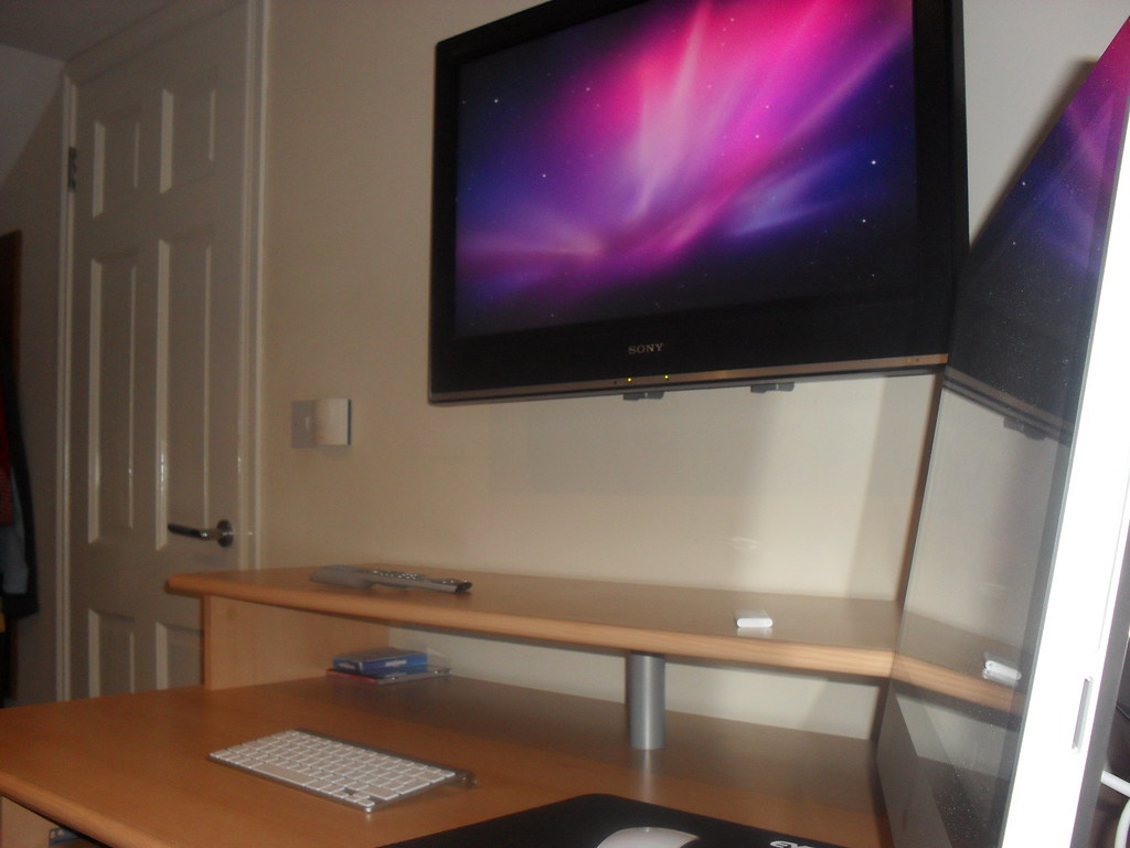 how to set up dual screen apple