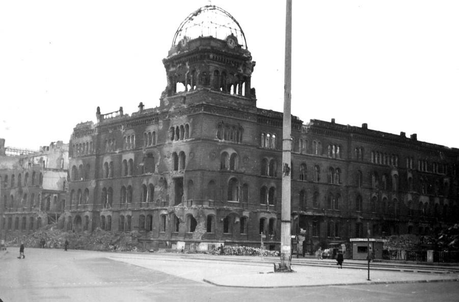 Photograph: Gestapo Headquarters, Berlin | Gestapo ...