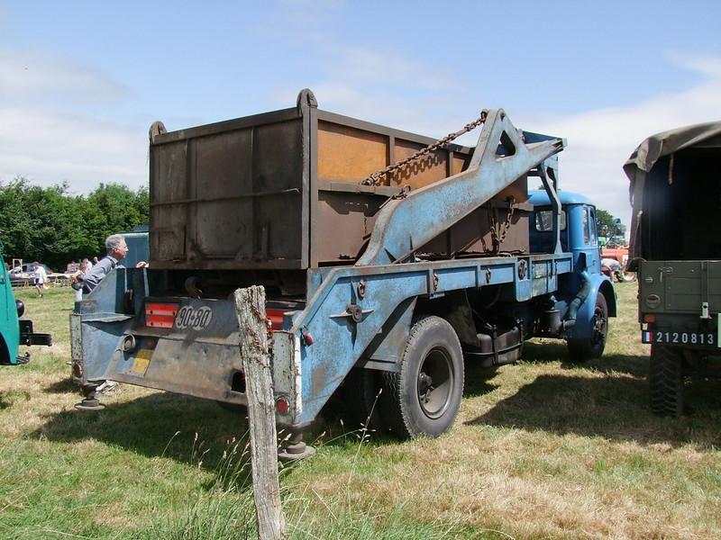Rassemblement de camions anciens en Normandie - Page 2 35248154880_c7d8f66aa5_c