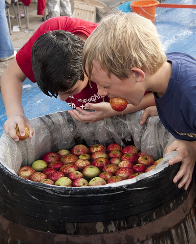 Apple bobbing at Thames Festival | by theboybg