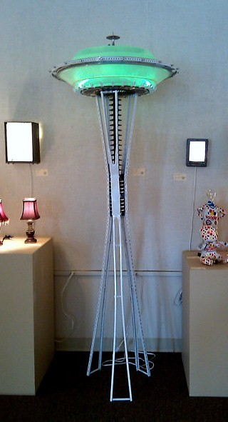 spaceneedle | Yes, a Space Needle replica lamp. Seven feet t… | Flickr