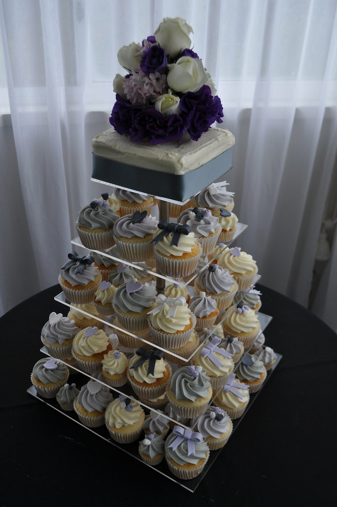 lilac and silver wedding cakes lilac pale grey and silver wedding cupcakes vanilla 16879
