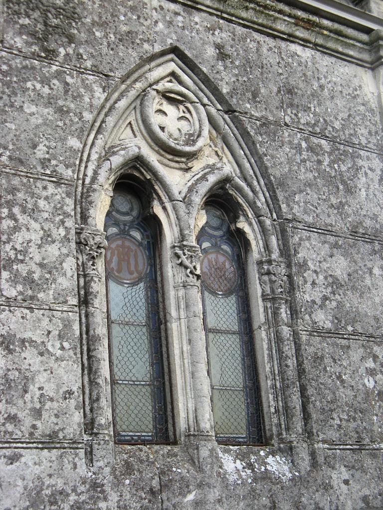 Chapelle fen tre en ogive et vitraux 027 christine for Fenetre en ogive