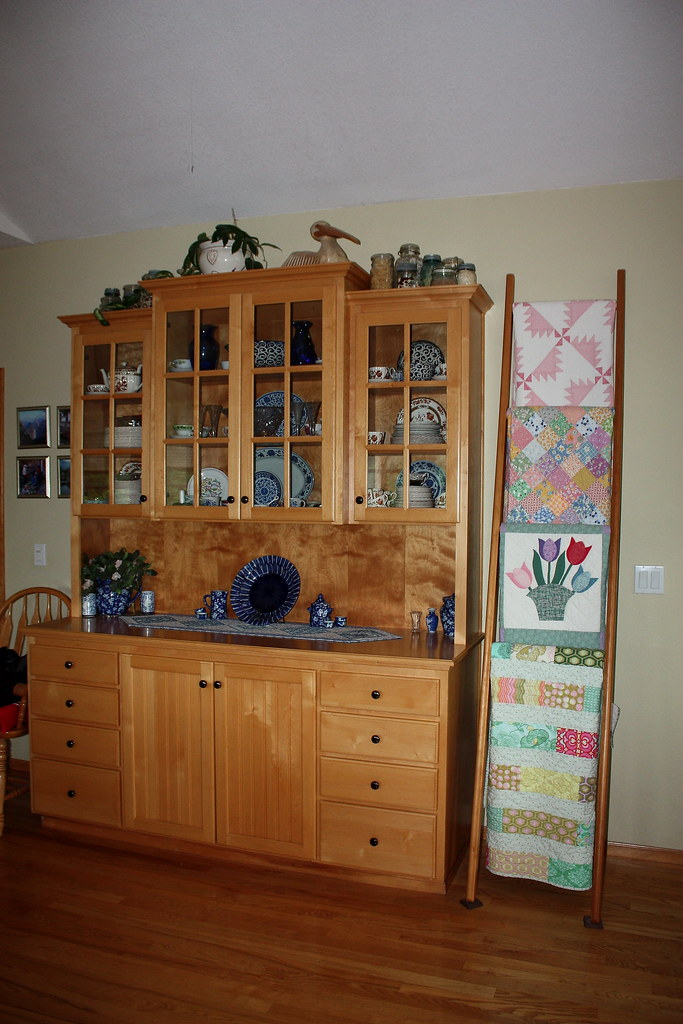 Dining room hutch and ladder dining room hutch and quilt for Dining room quilter