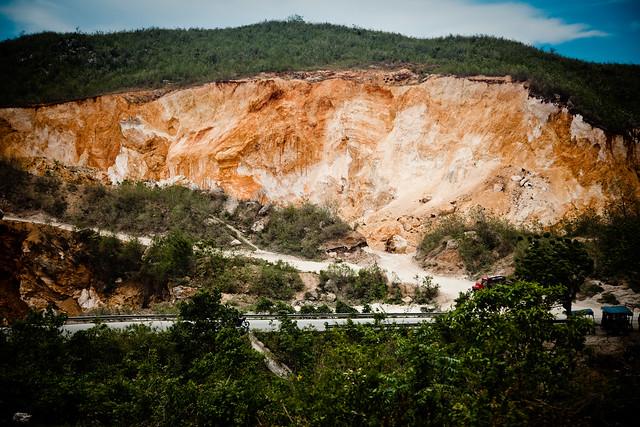 earthquake landslideEarthquake Landslide