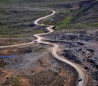 Iceland road: Between Bolungarvik and Skálavik | by Martin Ystenes - hei.cc