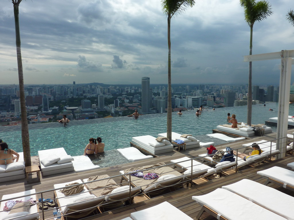 Singapore And Mbs Hotel Infinity Swimming Pool Kfcatles Flickr